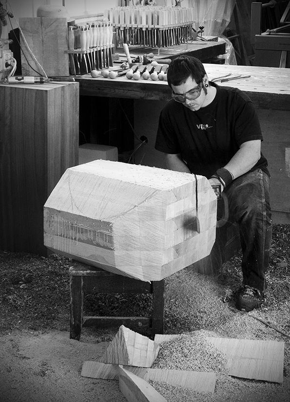 Sculptor Jorge Palacios, work in progress